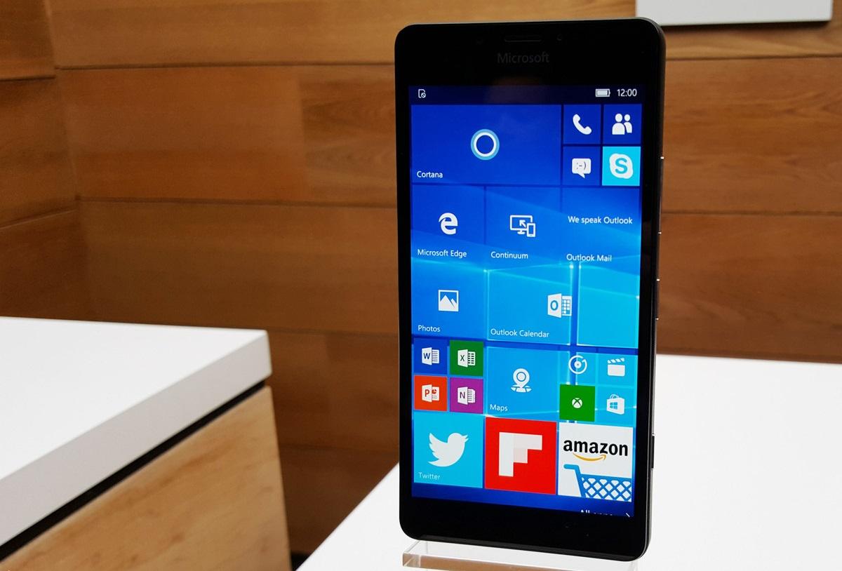 Lumia-950-display