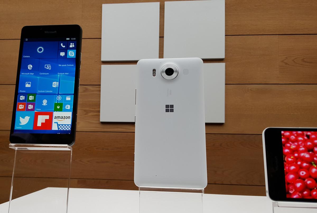 Lumia-950-three-screens