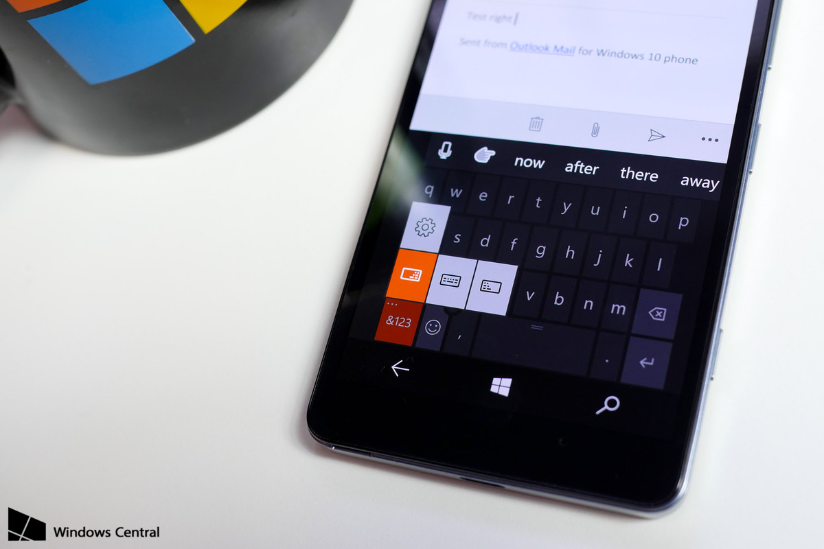 how to turn on predictive text on windows 10 phone